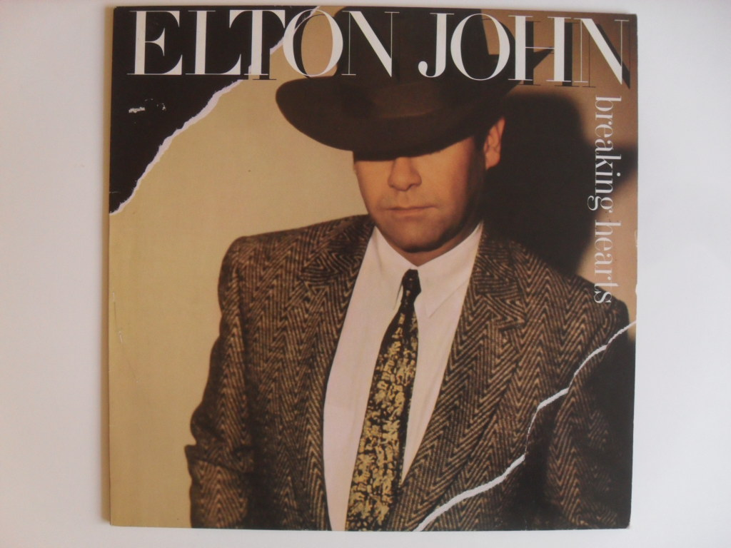 Elton John  Breaking hearts LP